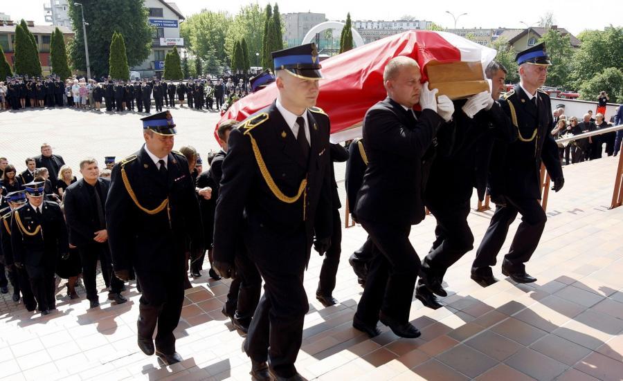 Uroczystości pogrzebowe 29-letniego ogniomistrza Marka Giro