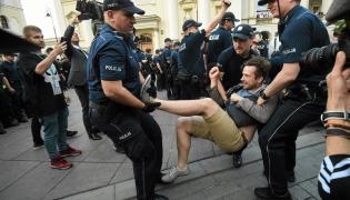 Interwencja policji podczas miesięcznicy smoleńskiej
