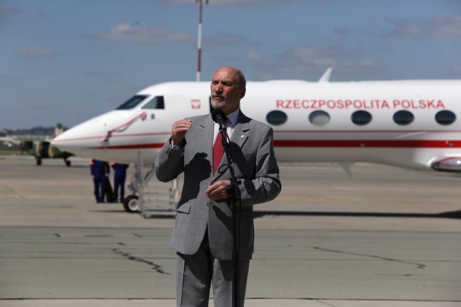 Wystąpienie ministra obrony Antoniego Macierewicza. Uroczystość przyjęcia pierwszego samolotu Gulfstream G550