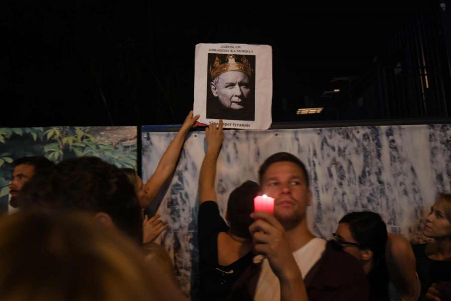 Protesty pod Pałacem Prezydenckim  fot. Bartłomiej Zborowski