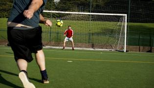 Gra w piłkę nożną