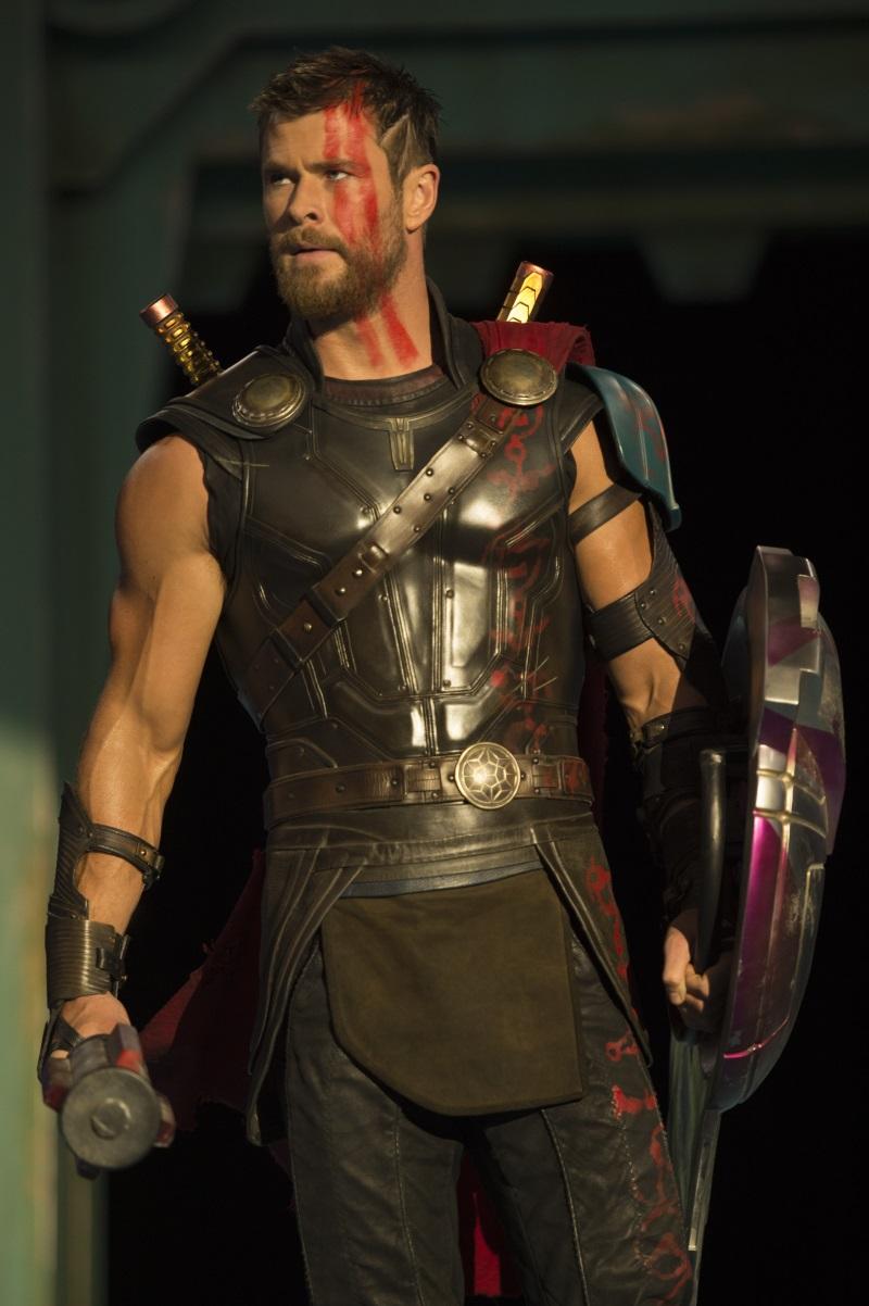 """Chris Hemsworth w filmie """"Thor: Ragnarok"""". Polska premiera 25 października 2017 roku"""