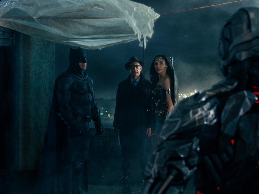 """Ben Affleck, J.K.Simmons, Gal Gadot w filmie """"Liga Sprawiedliwości"""". Polska premiera 17 listopada 2017 roku."""