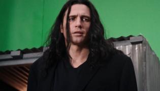 "James Franco jako Tommy Wiseau w filmie ""Disaster Artist"""