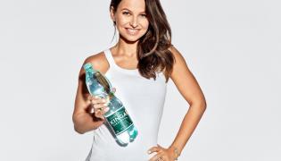 Anna Lewandowska w kampanii reklamowej wody Kinga Pienińska