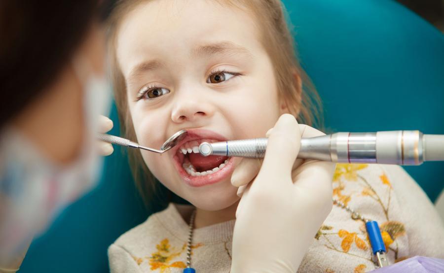 Leczenie zębów u dziecka