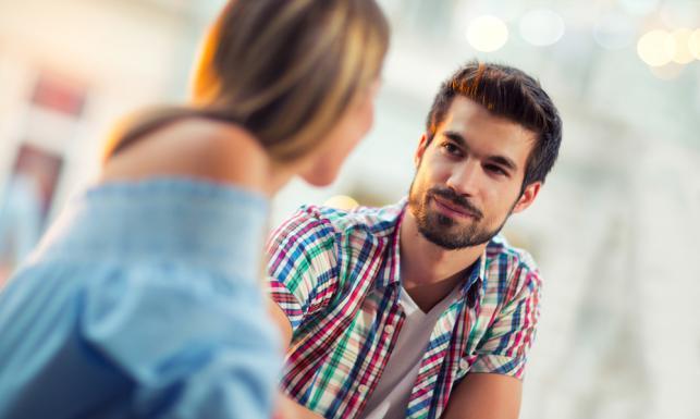 Mężczyzna słucha kobiety, tylko przez 6 minut. BADANIA NAUKOWCÓW