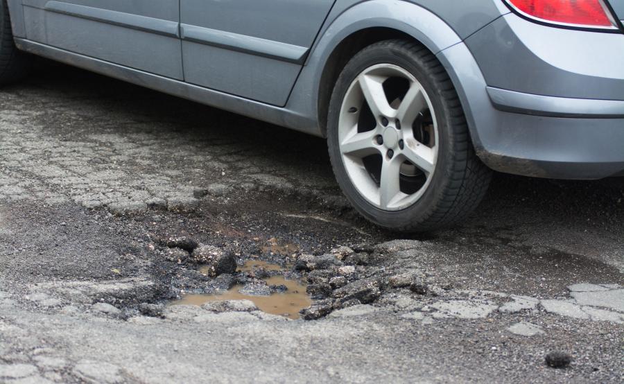 Dziura w drodze