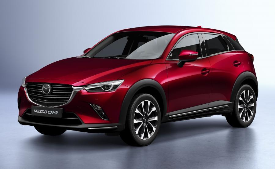 Mazda CX-3 po modernizacji  odróżnia się od wcześniejszego wcielenia nową atrapą chłodnicy i tylnymi lampami w technice LED