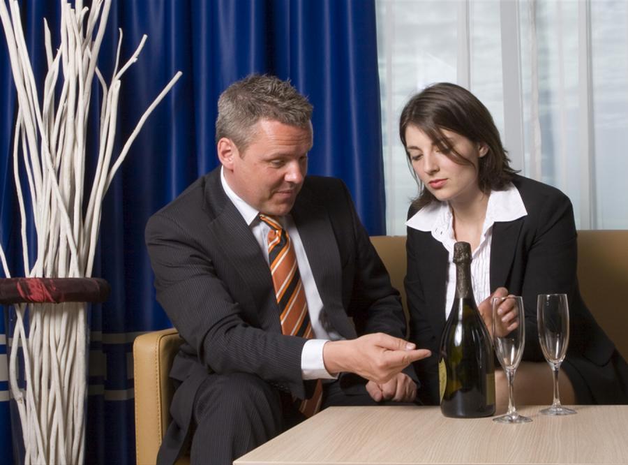 Jak pić ze swoim przełożonym?