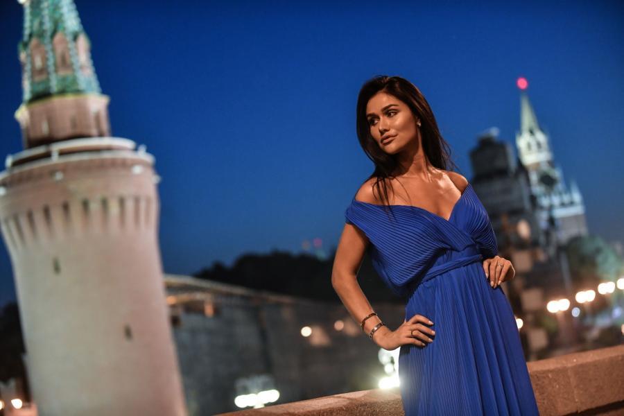 """Karolina Emus chce zostać """"Miss Mundialu"""". Zobacz, jak pozuje do zdjeć w Moskwie"""