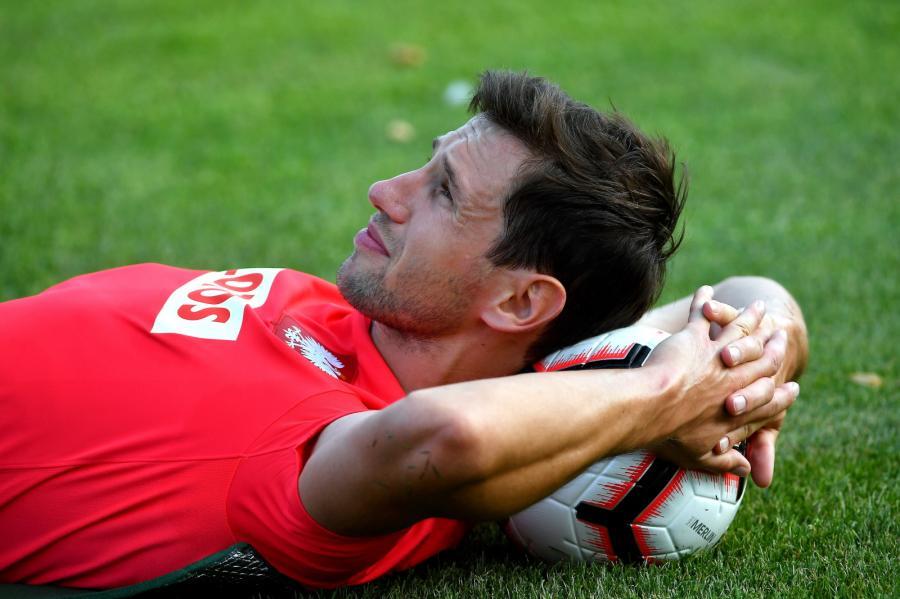 59fffe077 Na wtorek sztab trenerski piłkarskiej reprezentacji Polski zaplanował dwa  treningi na boisku. Plany jednak uległy zmianie. Ostatecznie biało-czerwoni  tego ...