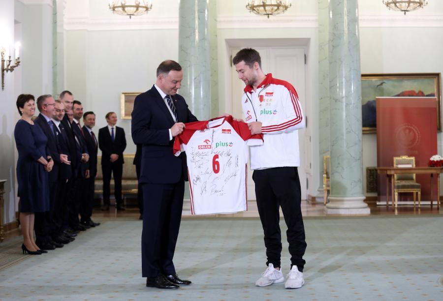 Prezydent Andrzej Duda (L) i Michał Kubiak (P) podczas spotkania w Pałacu Prezydenckim