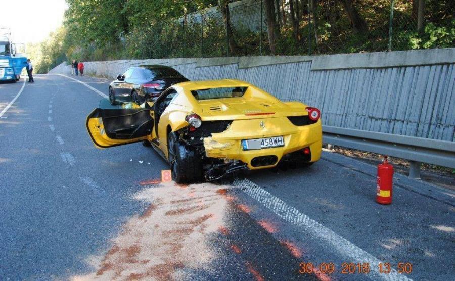 Ferrari 458 Italia i Mercedes C43 AMG