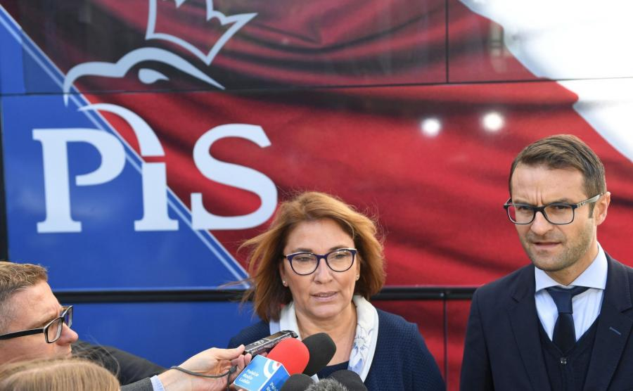 Rzeczniczka PiS Beata Mazurek i szef sztabu wyborczego PiS Tomasz Poręba