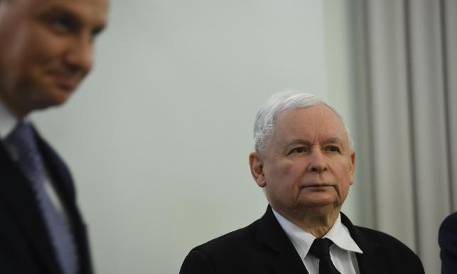 Specjalny senacki zespół wylicza: PiS i Andrzej Duda złamali co najmniej 13 artykułów konstytucji