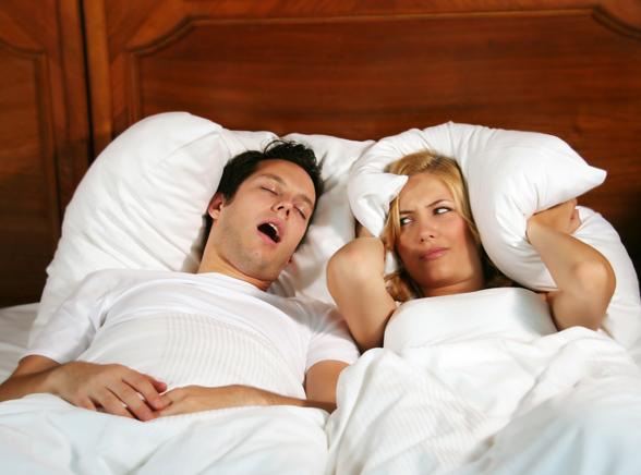 Chrapanie zniszczy twoje życie erotyczne