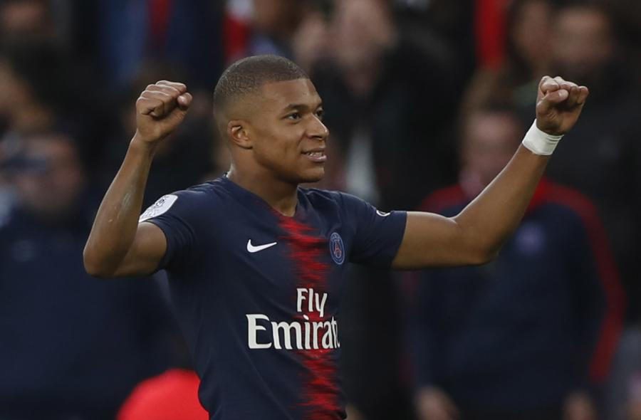 5c7fd3862 Mimo braku kilku podstawowych piłkarzy, zespół Paris Saint-Germain bez  problemów pokonał ekipę Rafała Kurzawy Amiens 5:0 i odniósł 10. zwycięstwo  we ...
