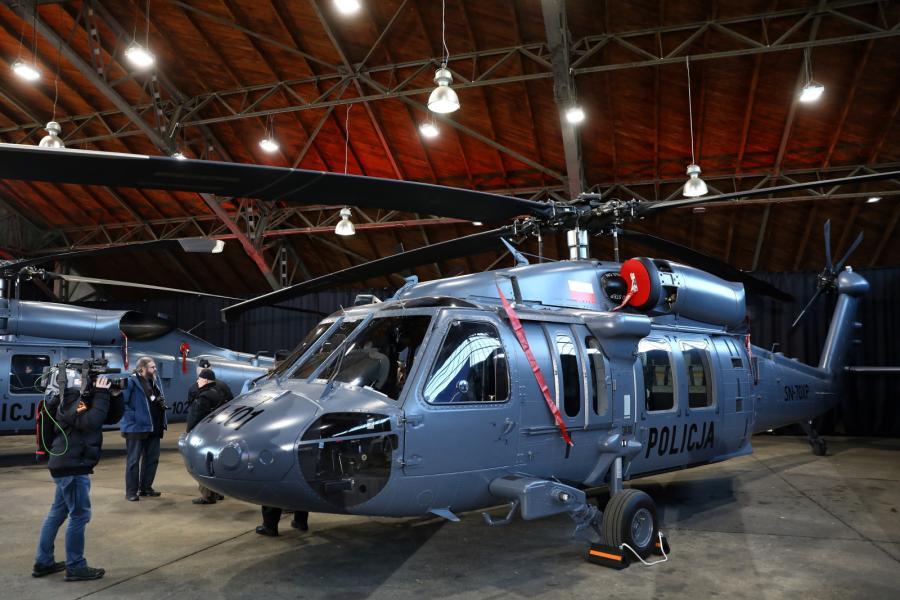 Przekazanie śmigłowców S-70i Black Hawk