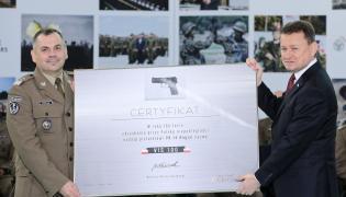 Minister obrony narodowej Mariusz Błaszczak i dowódca Wojsk Obrony Terytorialnej gen. dywizji Wiesław Kukuła