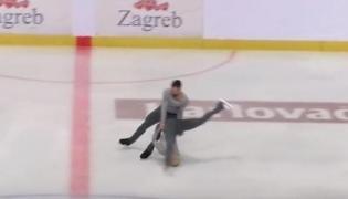 Łyżwiarka uderzyła głową w taflę lodu