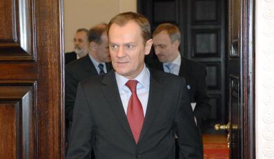 Tusk chce znieść obowiązek meldunku