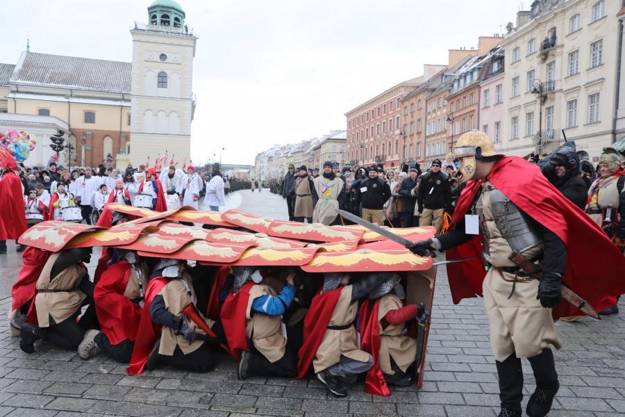 Orszak Trzech Króli przeszedł ulicami Warszawy (10)