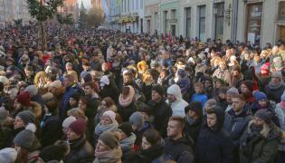 Ludzie na ulicach Gdańska