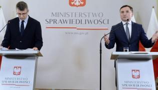 Minister sprawiedliwości Zbigniew Ziobro i podsekretarz stanu w MS Marcin Warchoł