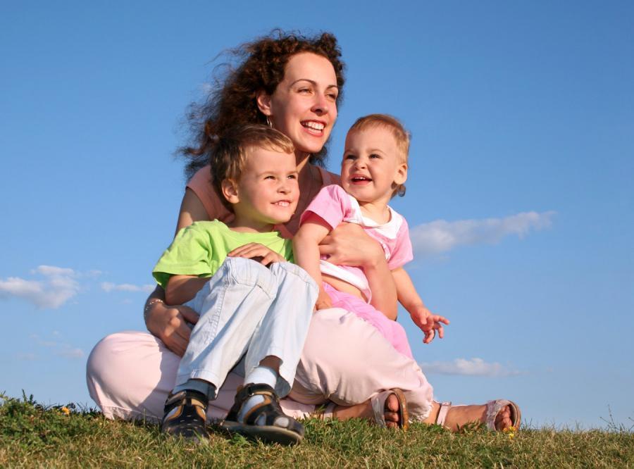 Rośnie liczba samotnych matek z wyboru