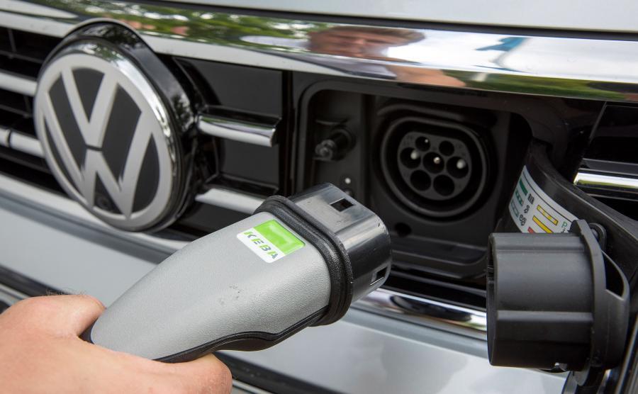 Volkswagen stworzy 36 tys. punktów ładowania aut elektrycznych