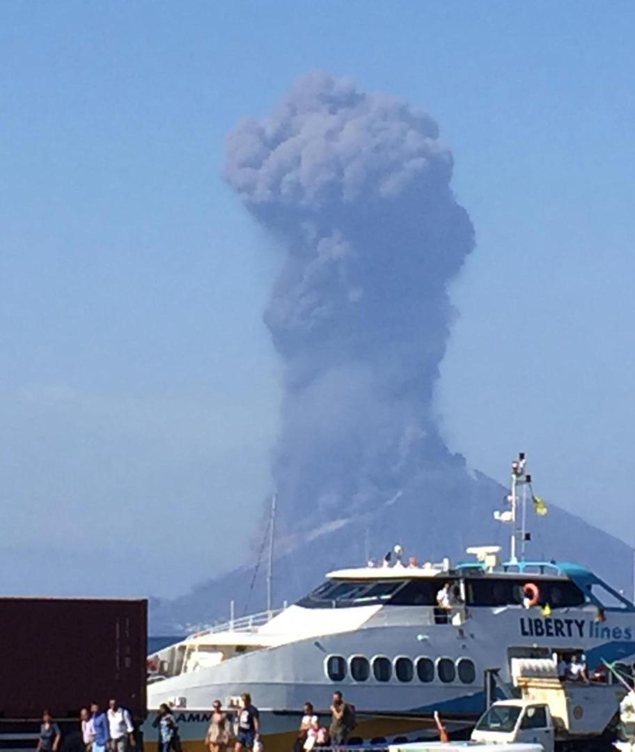 Wybuch wulkanu na włoskiej wyspie Stromboli