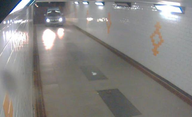 Kierowca został zatrzymany, a toyotę odholowano na policyjny parking