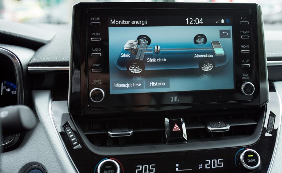 Samochody hybrydowe korzystają z dwóch źródeł energii – benzynowego i elektrycznego. W czasie hamowania energia kinetyczna samochodu hybrydowego jest odzyskiwana i zamieniana na energię elektryczną, dzięki czemu pojazd zużywa mniej paliwa. Toyota uważa technologię hybrydową za ważny krok na drodze do pełnej elektromobilności
