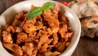 Gyros z kurczaka w sosie kurkowym