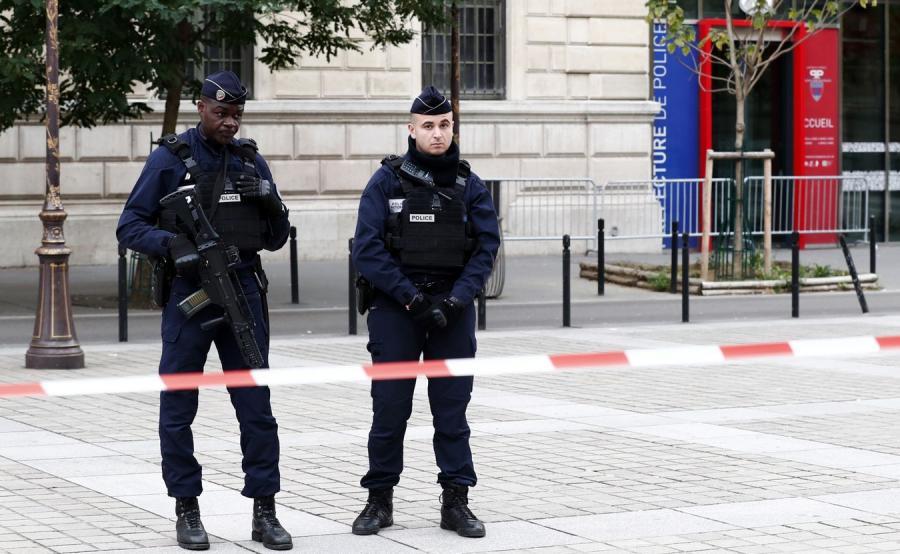 Policjanci w Paryżu