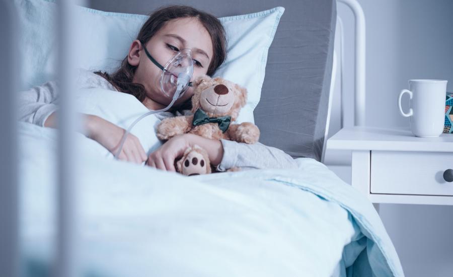 Dziewczynka chora na mukowiscydozę