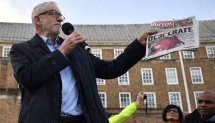 Jeremy Corbyn krytykuje Borisa Johnsona za brak empatii dla chorego chłopca