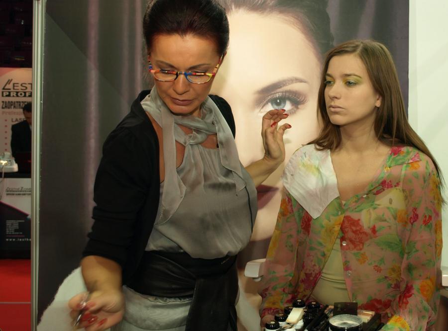 W Katowicach i Warszawie podczas Targów Kosmetyki Profesjonalnej LADY kobiety uczyły się, jak być piękne wiosną