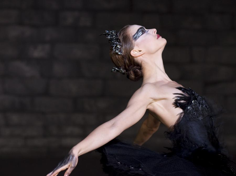 """Natalie Portman w filmie """"Czarny Łabędź"""""""