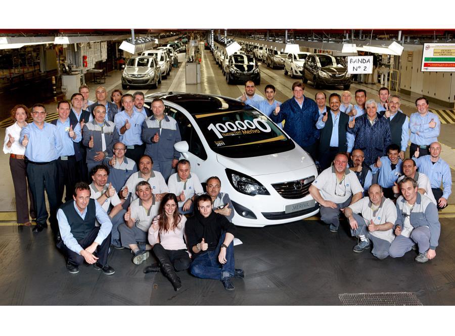 Opel poinformował, że z jego fabryki samochodów w Saragossie wyjechała meriva numer 100 000