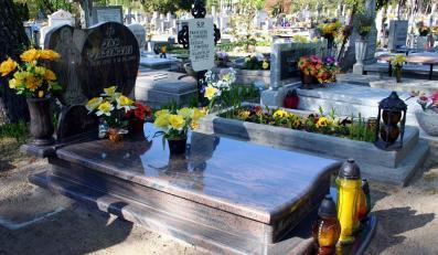 Chować grobie czy kremować?