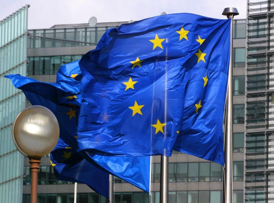Ułatwienia wynikające z układu Schengen mają być ograniczane \