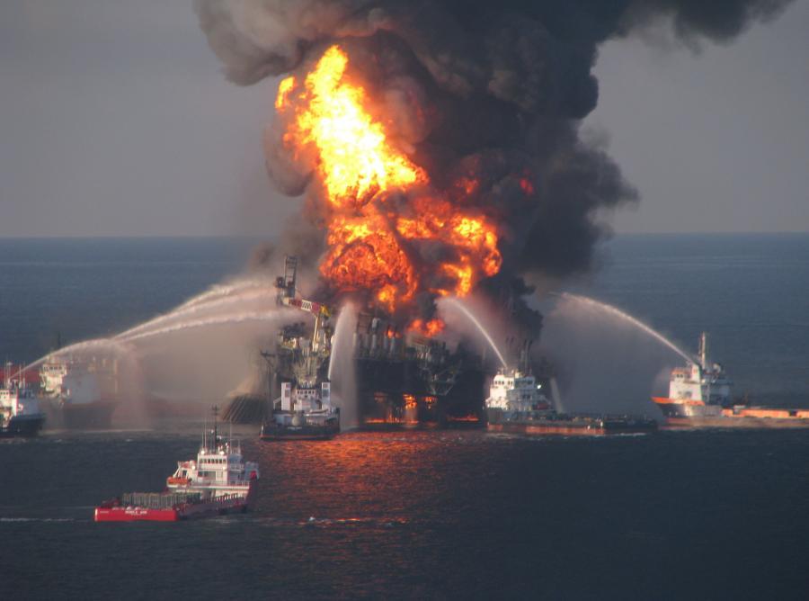 Pożar na platformie Deepwater Horizon gaszono trzy miesiące