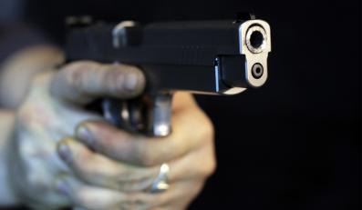 MSWiA w ostatniej chwili zrezygnowało z zakazu noszenia broni w czasie prezydencji