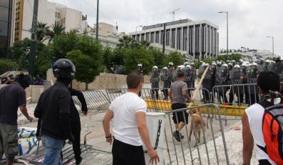 Od wielu tygodni Grecy protestują przeciw planowanym przez rząd cięciom