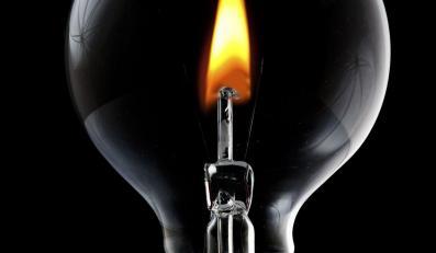 Rosja wstrzymuje dostawy energii elektrycznej na Białoruś