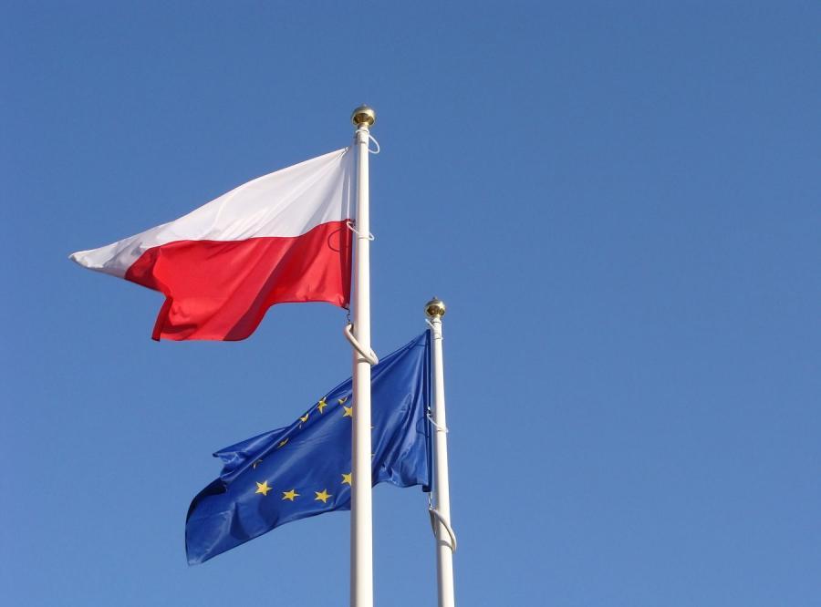 Flaga Polski i flaga Unii Europejskiej