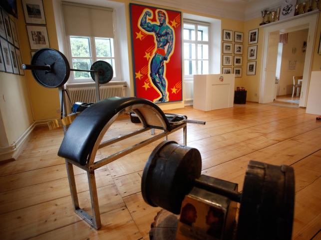Przyrządy do ćwiczeń siłowych wykonane osobiście przez młodego Arnolda