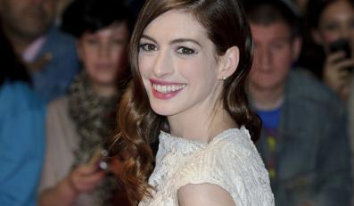 Anne Hathaway z nędznikiem Hugh Jackmanem?